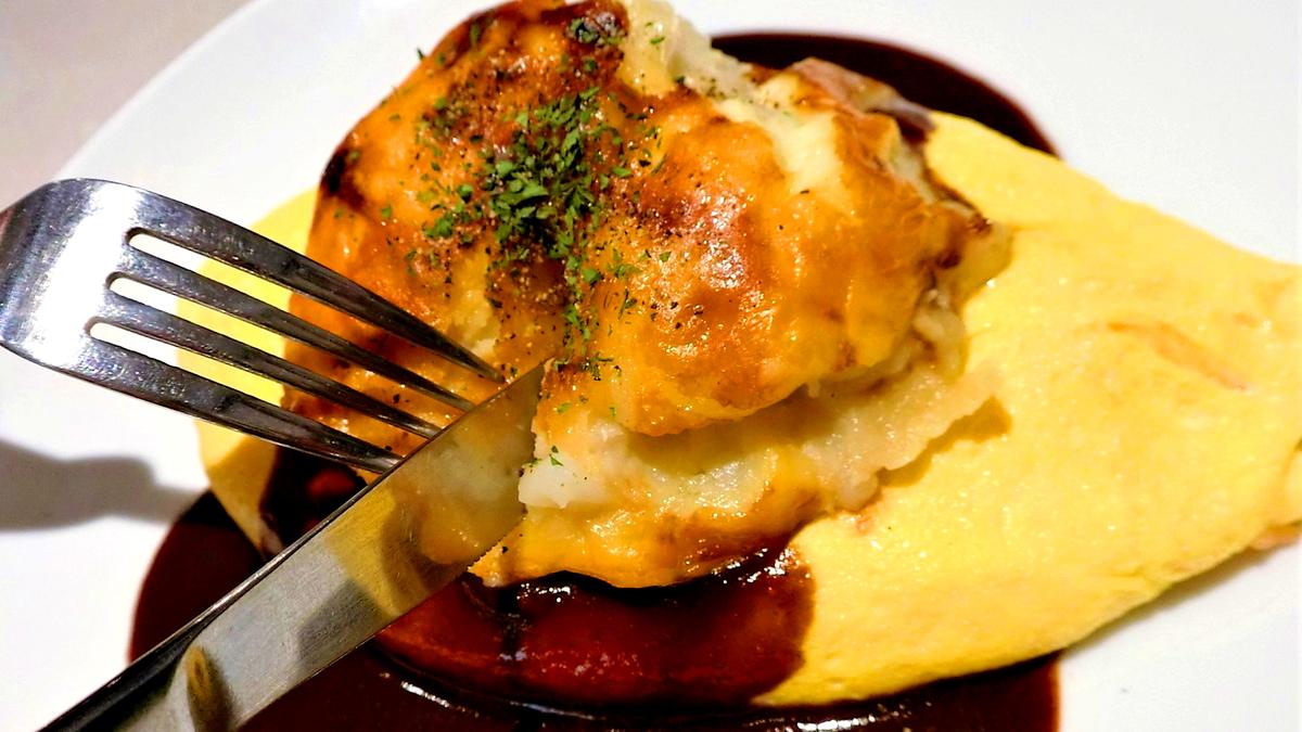 レトロで斬新!「キッチンエッグス」のオムライスディナーはいかが?